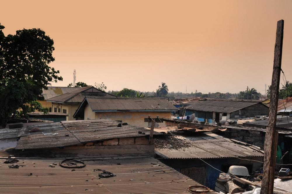 Les toits d'Accra, au coucher du soleil. ©  Kevin Thai / FlickrCC