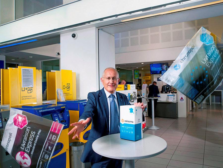 En tournée. Pour faire face àl'effondrement del'activité courrier etéviter le recours àunplan social, Philippe Wahl, le PDG de l'entreprise publique LaPoste depuis 2013, s'estengagé à «transformer».