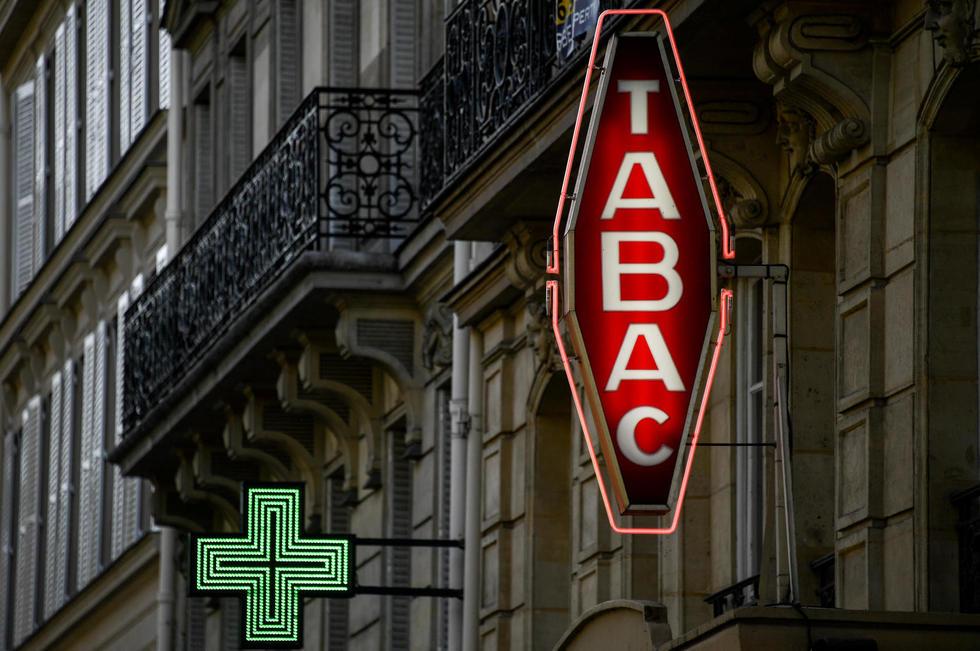 Bureau de tabac le plus proche contemporain bureau de tabac le