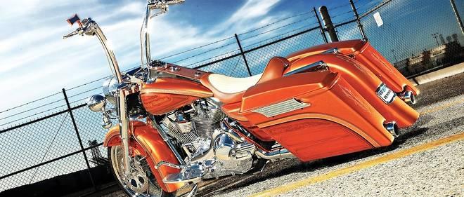 C'était au bon temps où cette Harley-Davidson Road King de 2006 n'avait pas à supporter des taxes douanières en mesure de rétorsion