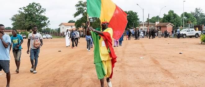 Plus de huit millions de Maliens sont appelés aux urnes dimanche pour reconduire le président Ibrahim Boubacar Keïta, élu en 2013 après l'intervention internationale contre les djihadistes, ou accorder leur faveur à un de ses 23 concurrents dont le chef de l'opposition, Soumaïla Cissé.