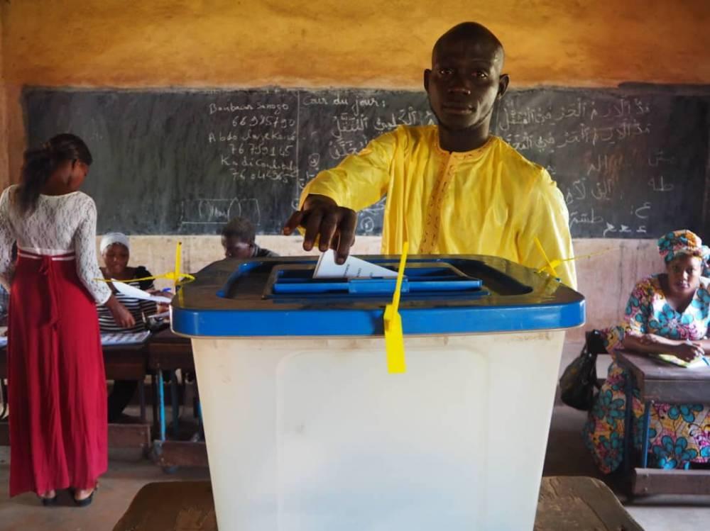 Un votant du scrutin présidentiel du 29 juillet 2018 au Mali.  ©  Olivier Dubois