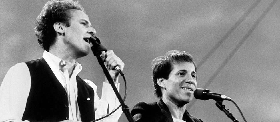 <p>Art Garfunkel  et  Paul Simon en concert à Central Park, en septembre 1981.</p>