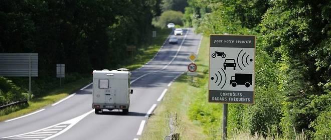 La petite route de vacances, loin des embouteillages de l'autoroute, n'est plus si tranquille avec le 80 km/h