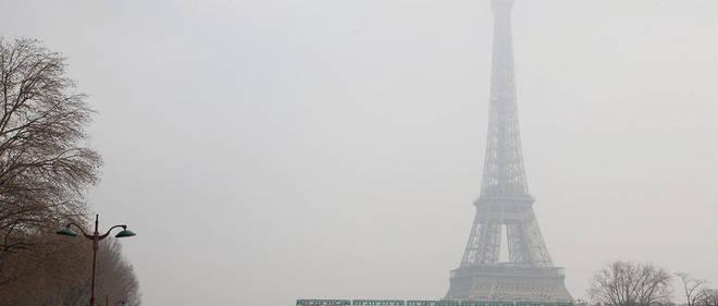 Paris est régulièrement victime du phénomène de smog, comme en mars 2016.