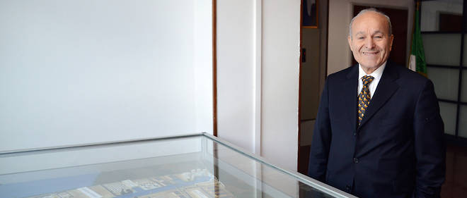 Apres l'interdiction de débarquement de ses équipements au port de Béjaia, le groupe Cevital ne s'en sort pas non plus à celui de Skikda. Où après avoir procédé aux dédouanements des conteneurs, le directeur du port a saisi le matériel en question. Officiellement, l'opération d'importation s'est effectuée, sans autorisation des autorités.