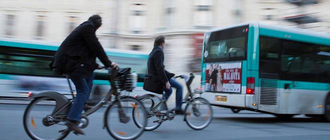 Des témoignages recueillis par la police ont fait état d'une altercation entre la victime et le suspect qui tentait de monter avec son vélo dans le bus.