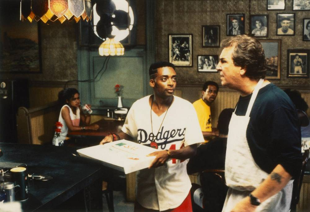 """""""Do the right thing"""" ©  Universal pictures"""