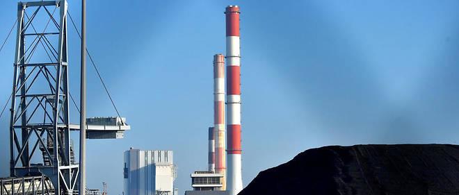 Le charbonest la manière la plus polluante de produire de l'électricité. En France, il reste quatre centrales à charbon en activité, comme celle de Cordemais en Loire-Atlantique.