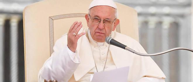 La modification aurait été réalisée pour ne pas « altérer la pensée du pape ».