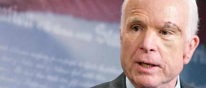 Alors que John McCain est décédé depuis deux jours, Donald Trump s'est enfin décidé à prendre la parole.