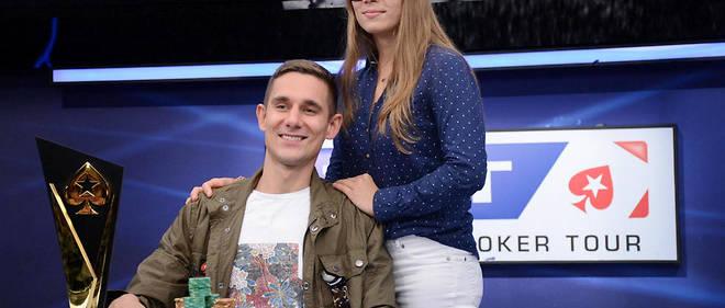 Piotr Nurzinsky, vainqueur de l'EPT Barcelone pour 1 million d'euros, et sa compagne.