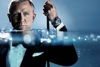 Daniel Craig se mouille, mais en costume, pour la prochaine campagne Omega.