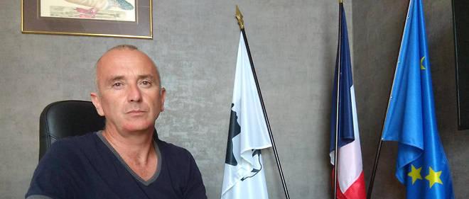 Maire du petit village corse de Centuri depuis 2014, David Brugioni veut briser la loi du silence.