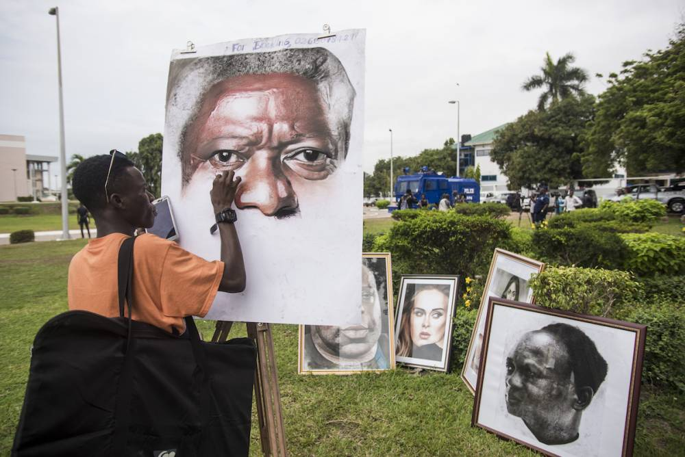 « C'est l'ignorance, et non la connaissance, qui amène d'autres à affirmer qu'il y a des mondes multiples, alors que nous savons qu'il n'y en a qu'un: le nôtre » déclarait Kofi Annan en 1997.  ©  AFP / Cristina Aldehuela