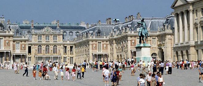 Le chateau de Versailles est l'un des monuments préférés des Français.