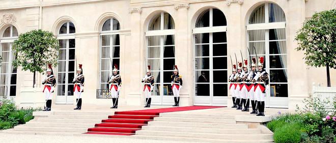 L'Élysée va lancer sa boutique en ligne ce week-end, afin de récolter des fonds pour la rénovation du palais présidentiel.