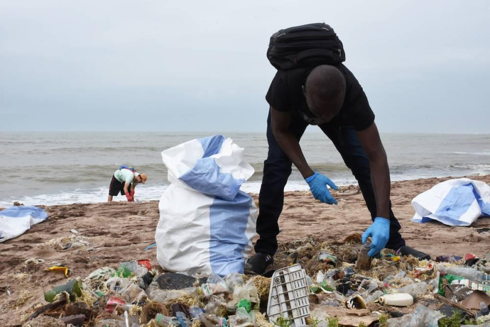 Plusieurs opérations de ramassage auront le 15 septembre  aux abords du Golfe de Guinée.  ©  Justine Boulo
