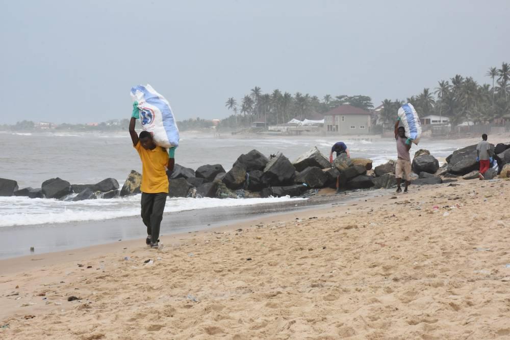 Le Ghana produit 22.000 tonnes de déchets plastiques par an, dont seulement 2% sont recyclés, selon le gouvernement. ©  Justine Boulo