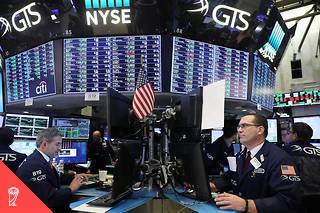 L'indice du Dow a plongé à plusieurs reprises en début de semaine, entraînant un vent de panique sur les autres places boursières mondiales.  ©SPENCER PLATT