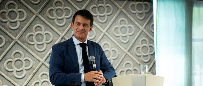 En catalan, Manuel Valls a annoncé sa candidature à la mairie de Barcelone.