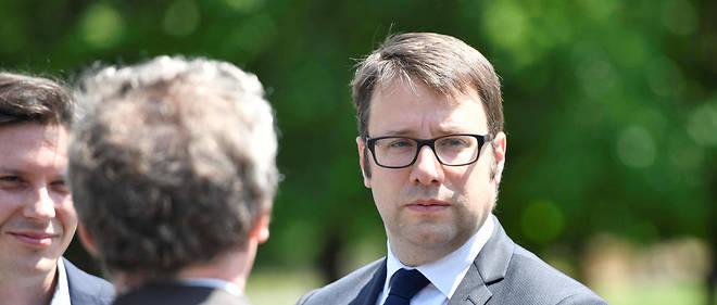 Loïg Chesnais-Girard, président de la région Bretagne répond à la ministre Jacqueline Gourault.