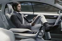 En prévision de la circulation des voitures autonomes, la distinction conducteur/passager a été supprimée.