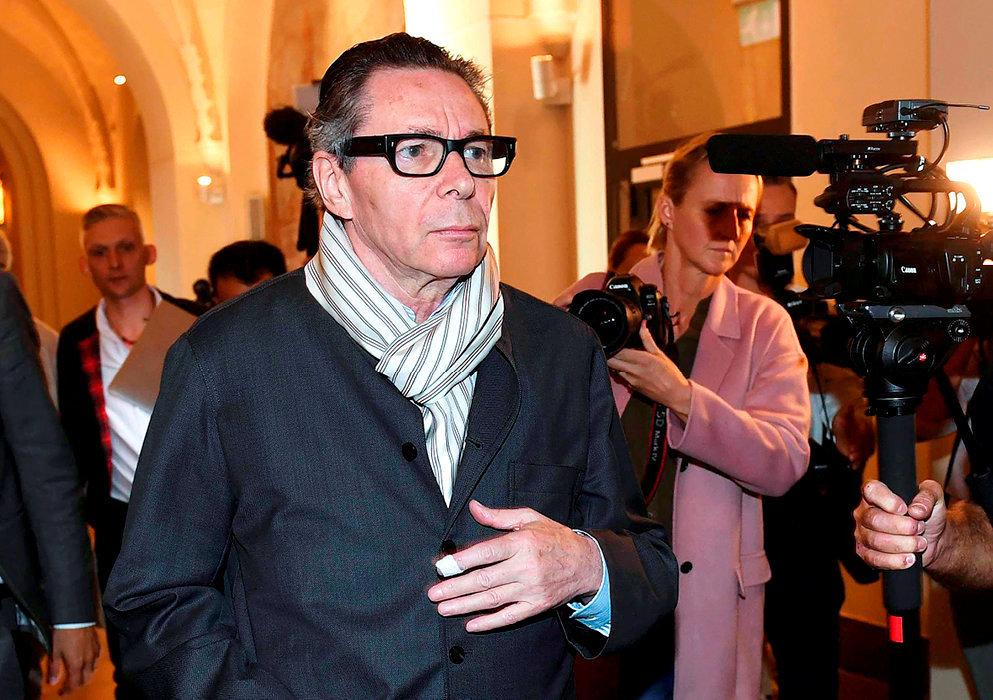 Déchéance. Jean-Claude Arnault, 72ans, arrive au palais de justice de Stockholm, le19septembre. Sonprocès pour viol s'est déroulé à huis clos. Verdict tombé le 1eroctobre: deux ans de prison.