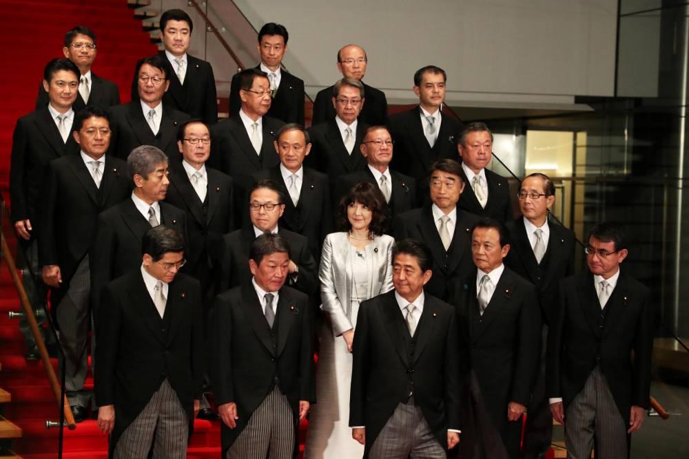 Abe reshuffles his cabinet ©  Yoshitaka Nishi /The Yomiuri Shimbun
