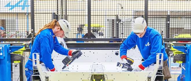 Le crédit d'impôt compétitivité-emploi (CICE) de François Hollande avait été adopté à la suite du rapport Gallois sur la compétitivité de l'industrie.