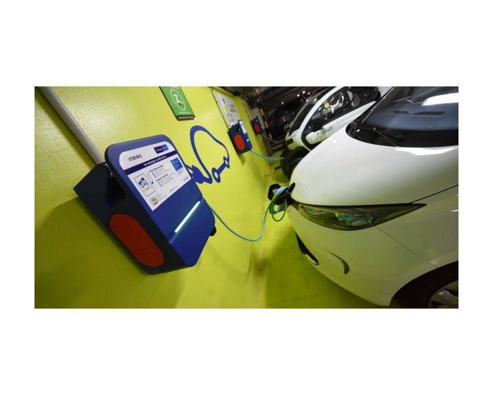 Les bornes de recharge vont se multiplier, grâce notamment au déploiement du réseau EDF ©  DR