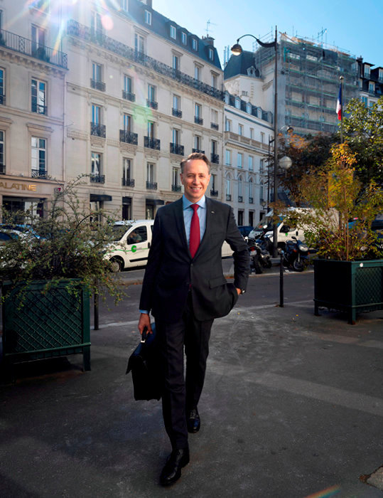 Fibre europeenne. L'Allemand Thomas Buberl, directeur general d'Axa, a Paris, le 4 octobre.