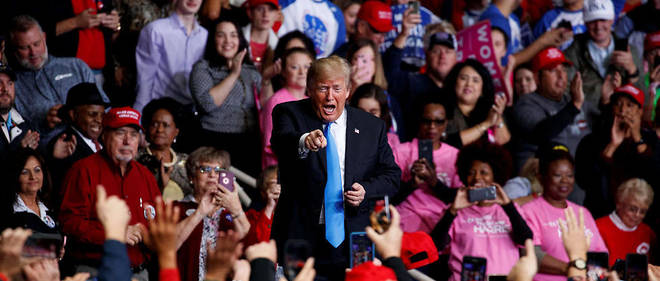 Donald Trump en meeting pour les elections de mi-mandat le 26 octobre en Caroline du Nord.