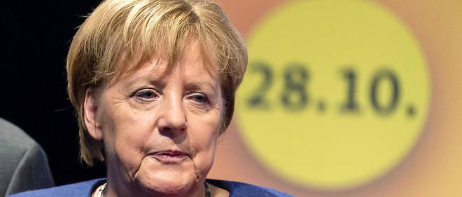 Si le parti d'Angela Merkel devrait arriver en tête, il perd une dizaine de points tout comme son allié, le SPD.