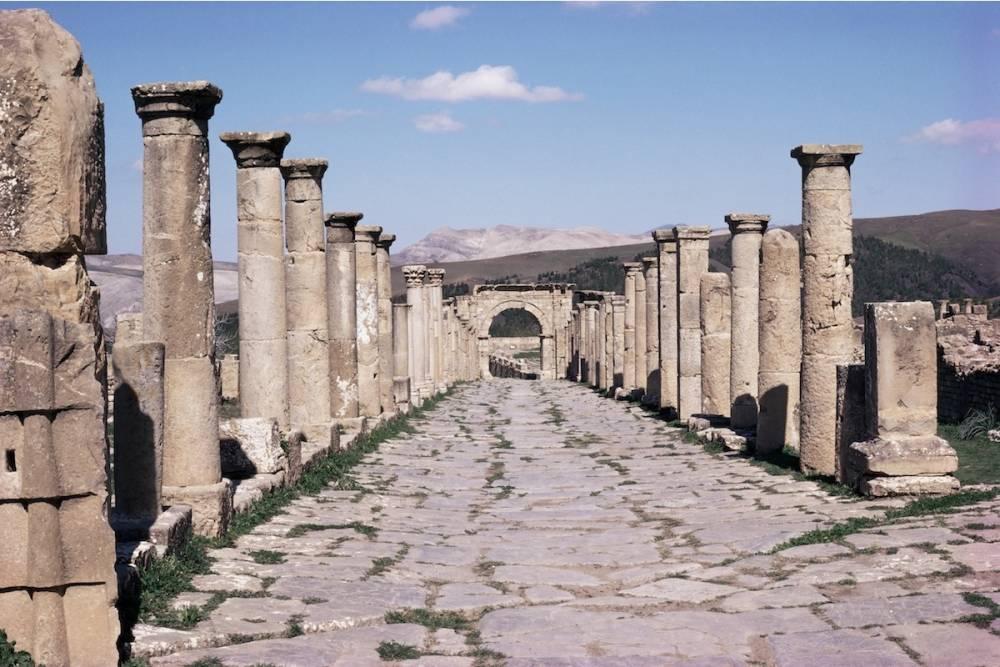 Une allée dans le site romain de Djemila, en Algérie.  ©  AFP/Jack Jackson