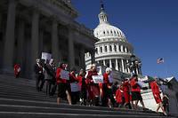 Des femmes membres du Congrès américain devant le Capitole, à Washington, en février dernier (photo d'illustration).