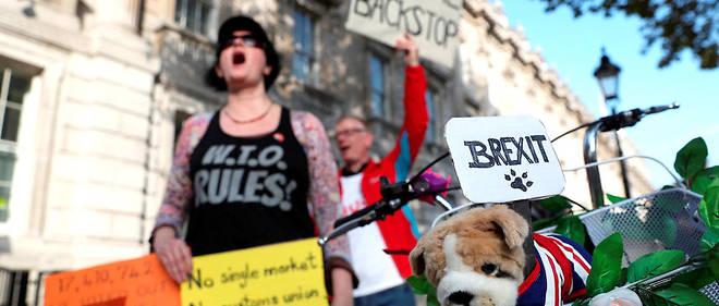 Manifestation pro-Brexit près du 10 Downing Street, à Londres, le 16 octobre.