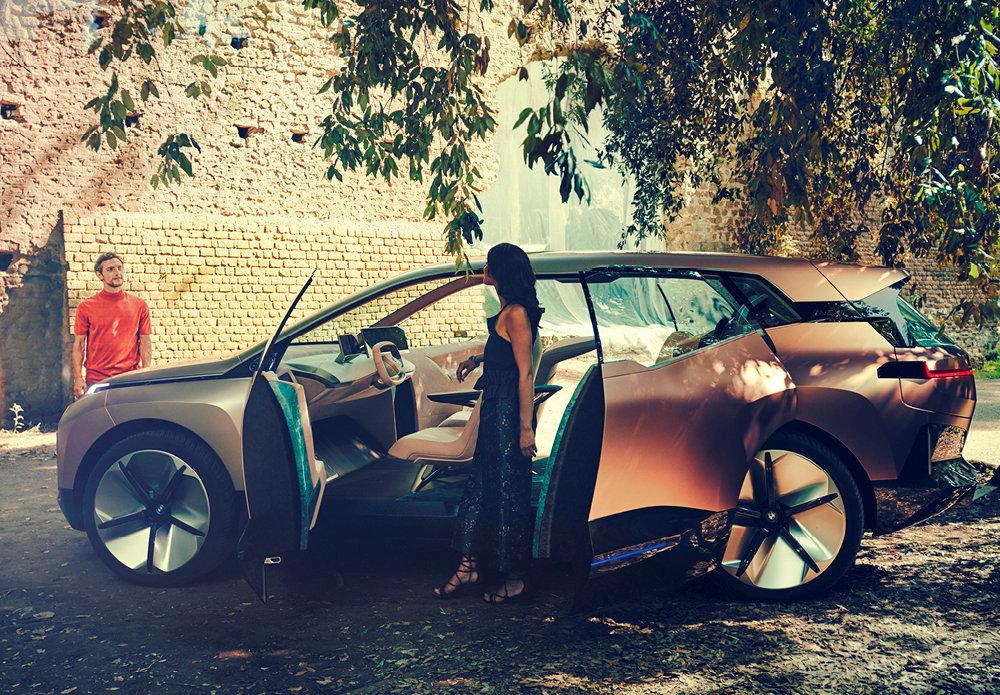 Espace. Le Concept BMW iNext préfigure un grand SUV 100% électrique attendu pour 2021.