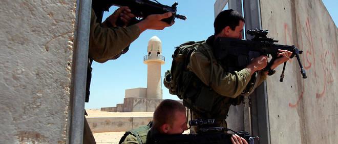 L'ancien soldat devenu militant de la paix se montre très critique contre la politique suivie par son pays : « Après 51 ans d'occupation, nous n'avons toujours pas de sécurité », constate-t-il.