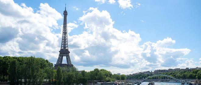 La tour Eiffel accueille aujourd'hui près de 7 millions de visiteurs par an.