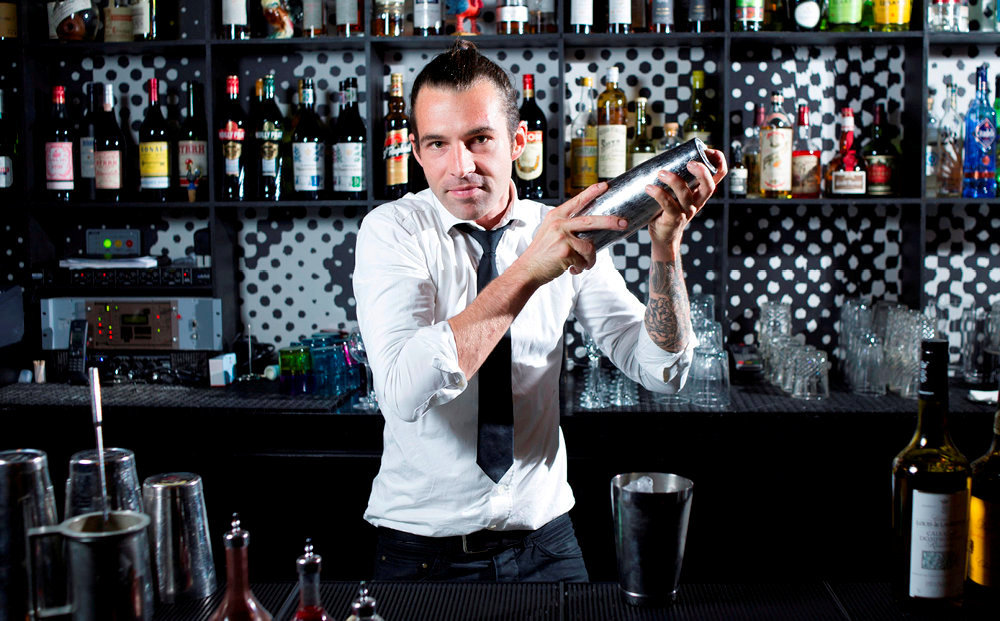 Thomas Girard, chef barman au Coq, à Paris.