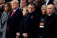 Vladimir Poutine, tout à droite, était aux côtés de Brigitte et Emmanuel Macron, Angela Merkel, Donald et Melania Trump, notamment, aux cérémonies célébrant le centenaire de la fin de la Grande Guerre, à Paris.