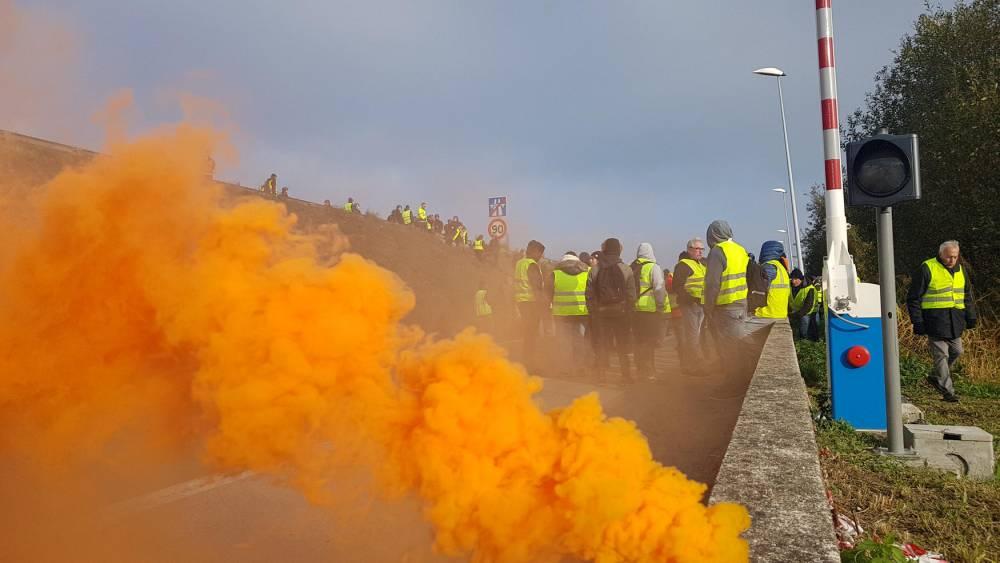 Gilets jaunes sur le Pont de Normandie ©  Clément Pétreault / Le Point