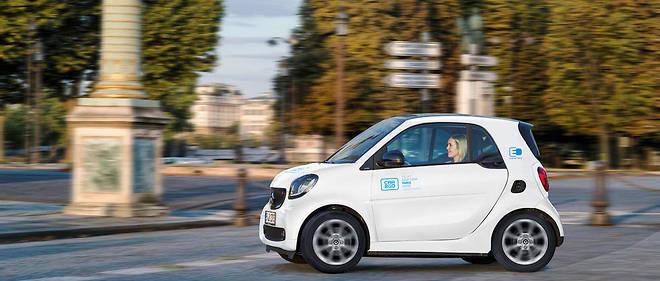 Pas moins de 400 Smart fortwo électriques vont entrer en fonction à Paris en location avec car2go
