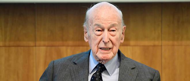 L'ancien président Valéry Giscard d'Estaing était samedi l'invité vedette du Salon du livre d'histoire de Versailles.