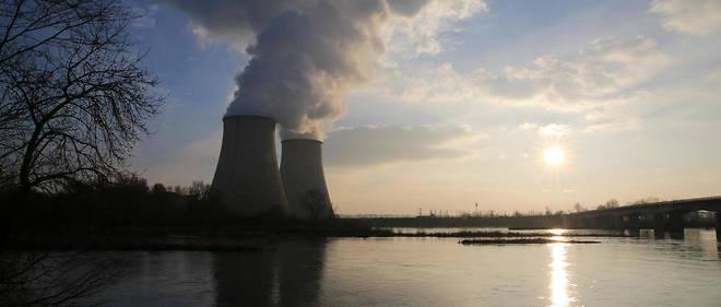 """""""La solution ne serait-elle pas plutôt d'augmenter la production d'énergie en augmentant sur notre sol le nombre de nos centrales nucléaires"""""""