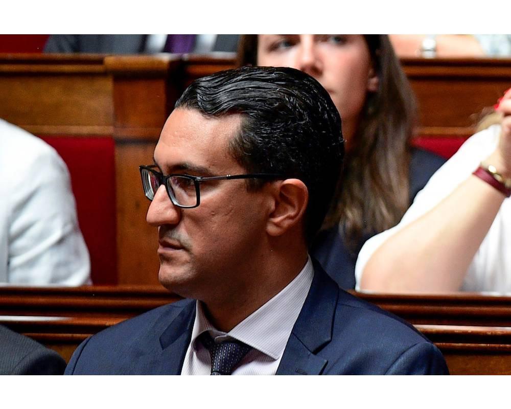 Député des Français établis à l'étranger (9e circonscription), M'jid El Guerrab, avec 14 autres députés, est révolté par les nouvelles mesures sur les droits d'inscription des étudiants étrangers. ©  AFP/MARTIN BUREAU