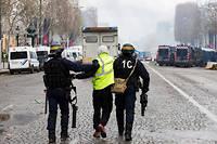 Plus de 400 personnes ont été interpellées samedi après la manifestation des Gilets jaunes, soit « un niveau jamais atteint dans les dernières décennies » selon le préfet de police Michel Delpuech.  ©Emeric Fohlen