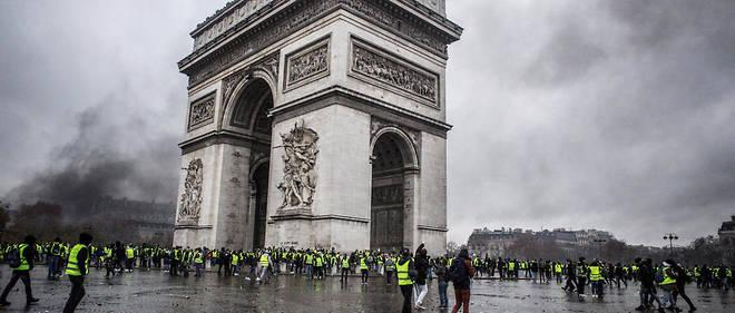 L'Arc de Triomphe lors de la manifestation des Gilets jaunes le 1er décembre 2018.