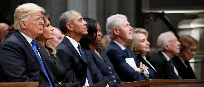 Les anciens présidents sont apparus côte à côte dans la cathédrale nationale de Washington.